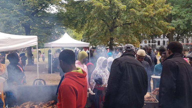 Opferfest für alle im Park
